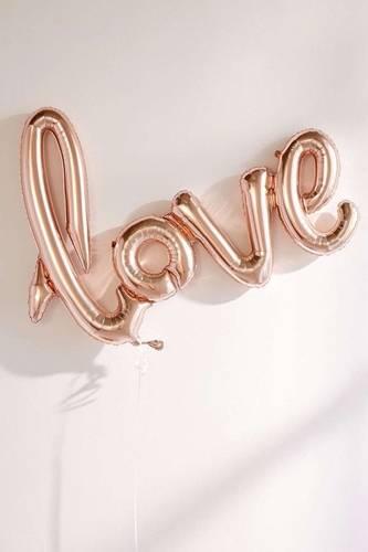 什麼是愛情?女王:真正的愛情是在男女間找到平衡