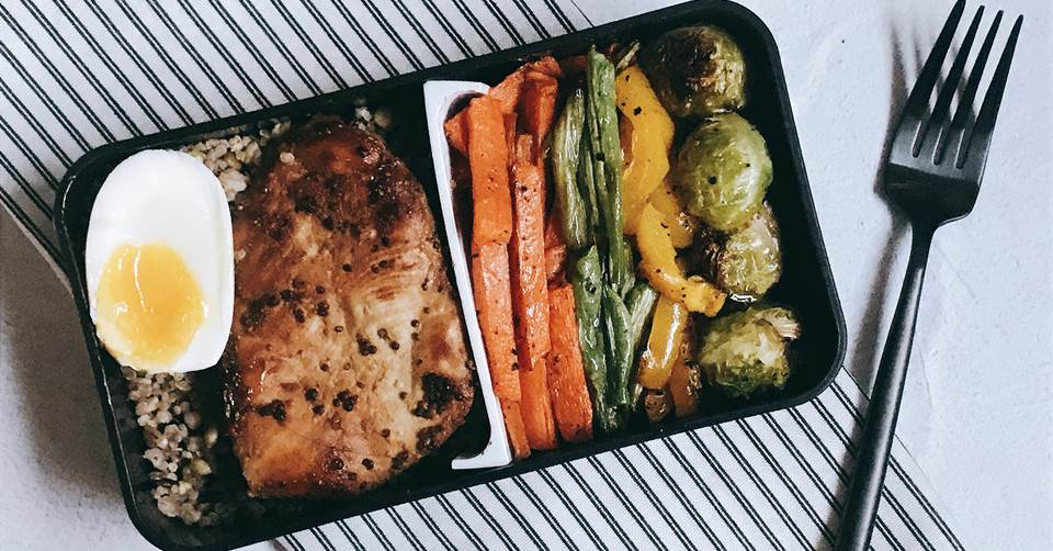 【SONIA的低卡健康午餐盒】香蒜蜜煎雞胸佐香烤時蔬
